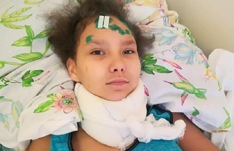 Моя дочь лежала на дороге в крови и грязи, а водитель обещал посадить нас, – мама 13-летней волгоградки рассказала о страшном ДТП