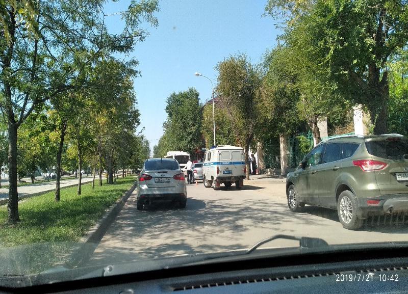 Скончалась в больнице попавшая под колеса автобуса на юге Волгограда женщина