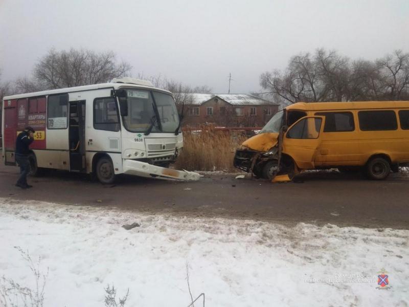 Стали известны подробности ДТП с автобусом и маршруткой в Волгограде: двое в больнице
