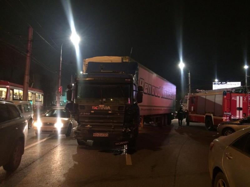 На виновника аварии с 14 автомобилями в Волгограде не станут возбуждать уголовного дела