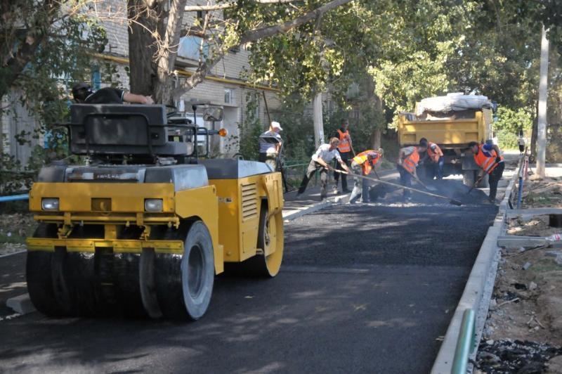 ВВолгограде ведется ремонт 58 внутриквартальных дорог