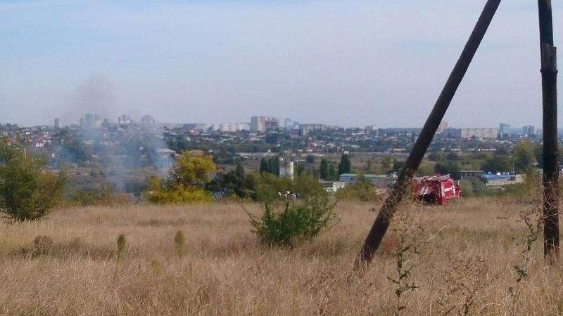 На мусорной свалке в Волгограде сгорел человек