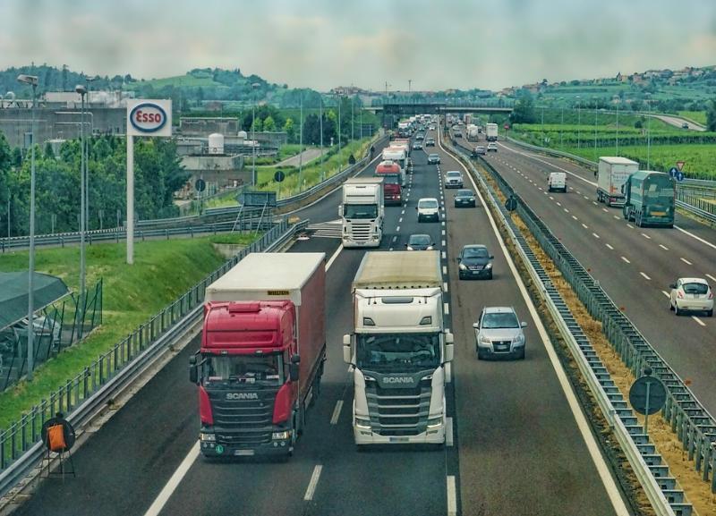 Все трассы закрыли для большегрузов и фур 1 июня в Волгоградской области