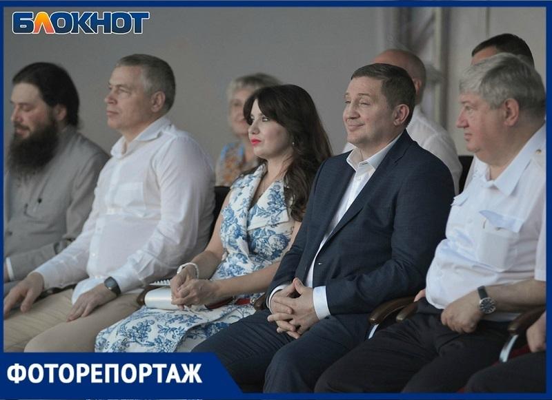 Счастливый Бочаров и горячие танцы Джанлука Вакки: как в Волгограде отметили День России
