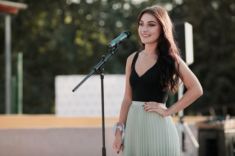Красотка из Волгограда прибегла к помощи Мэрилин Монро в финале «Мисс Блокнот Волгоград-2018»