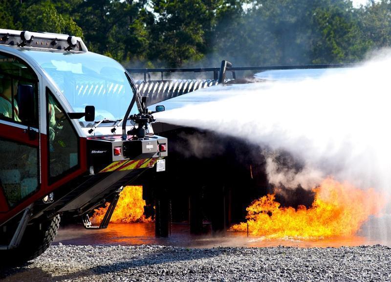 Mercedes-Benz, ВАЗ и КамАЗ выгорели за сутки в Волгоградской области