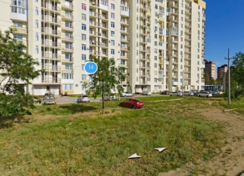 Молодая девушка насмерть разбилась, выпав из 18-этажного дома в Волгограде
