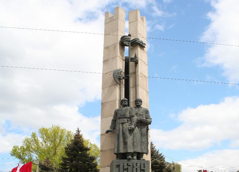 Памятник основателям Царицына наконец отремонтируют