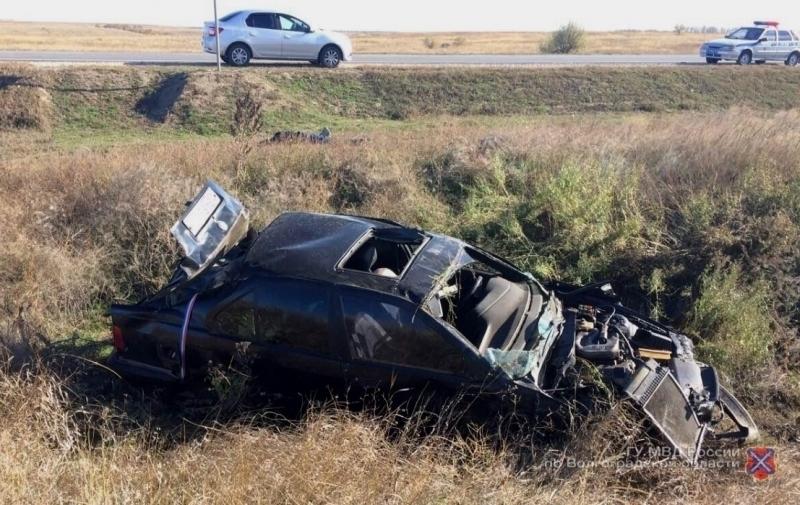 Под Волгоградом шофёр БМВ умер из-за взрыва колеса
