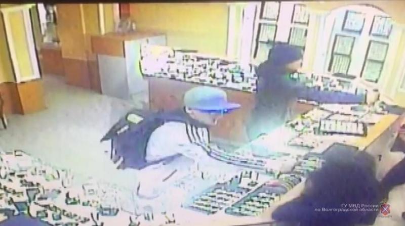 Грабителями ювелирного магазина вКамышине оказались трое парней изСаратова