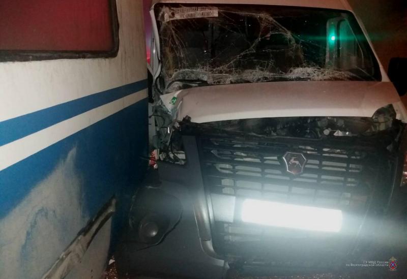 Маршрутка врезалась в троллейбус на севере Волгограда: есть пострадавшая
