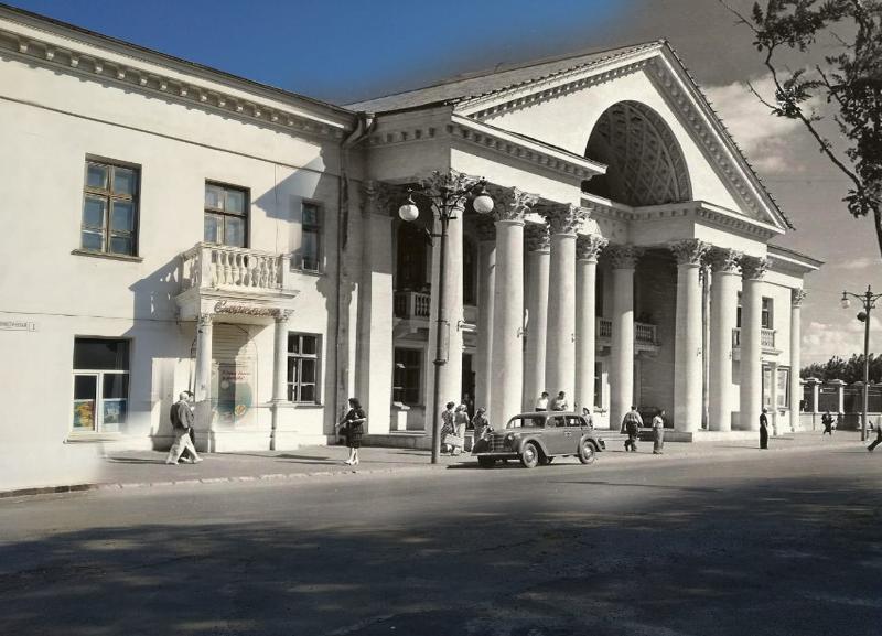 Тогда и сейчас: училище для слесарей и столяров и первый послевоенный кинотеатр Сталинграда
