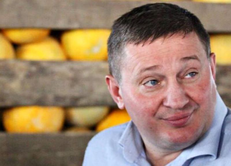 Бочаров первым сдал 228 подписей для кандидата в губернаторы Волгоградской области