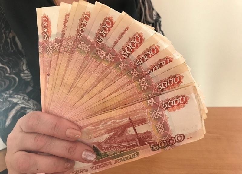 Бухгалтер СНТ в Среднеахтубинском районе обчистил дачников на 370 тысяч рублей