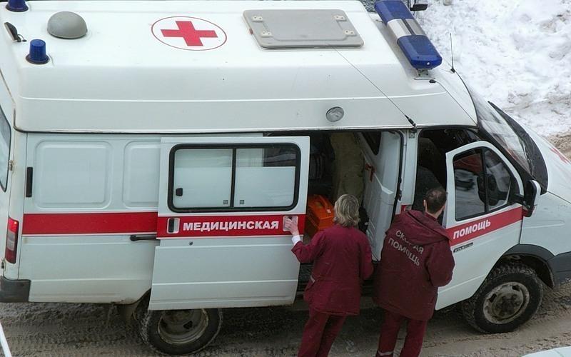 «Рено Логан» столкнулся с«Камазом»: двое погибли, трое вынуждены прибегнуть кпомощи медиков