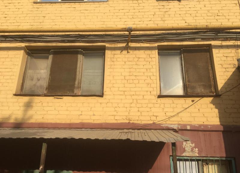 Тело волгоградки неделю прилежало в квартире среди мусора со свалок