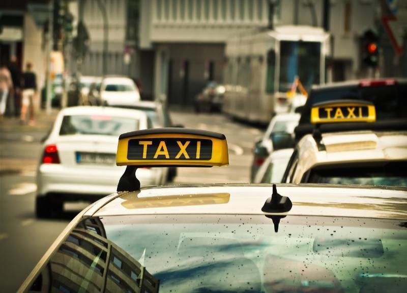 Волгоградцы устали от хамства таксистов и доплат за поездку