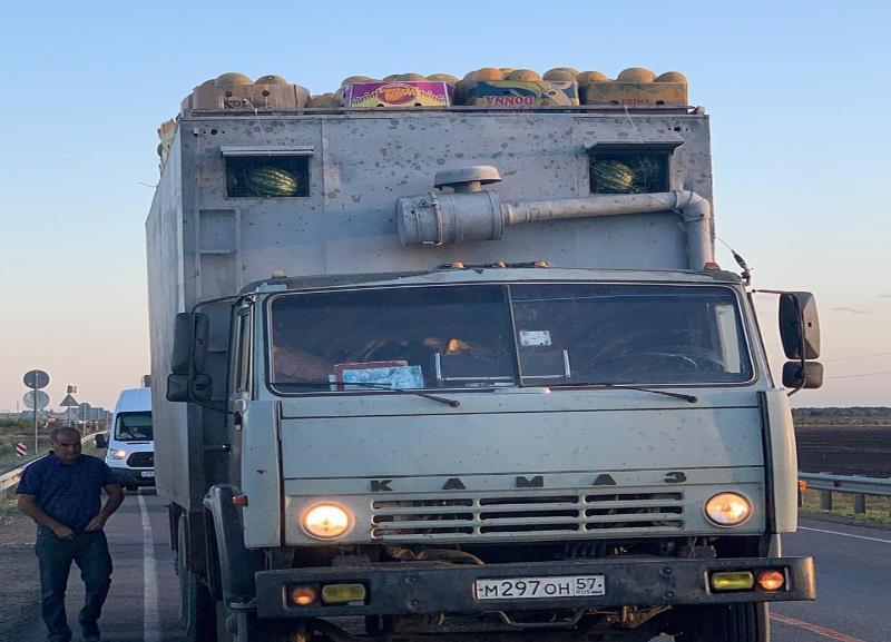 Фура с перевесом на трассе, поразившая депутата Волгоградской облдумы, попала на видео