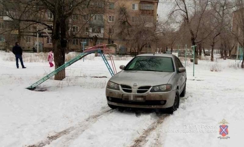 ВКрасноармейском районе под колеса иномарки угодила 10-летняя девочка