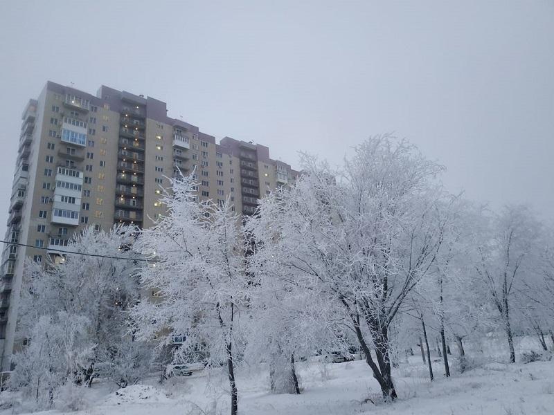 Под водой и без воды: на Новый год затопило новостройку на западе Волгограда