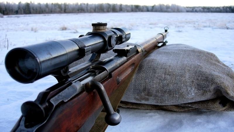 В Волгограде 31-летний мужчина, стреляя по банкам, едва не убил прохожего