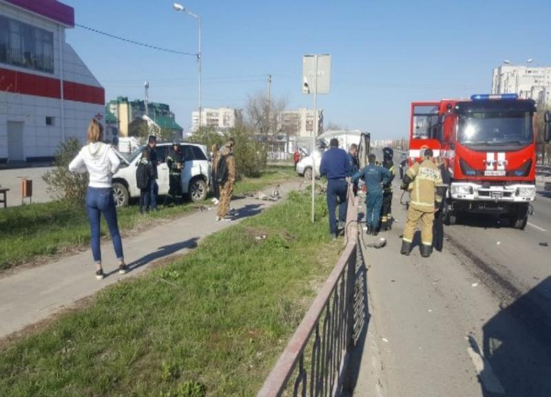 4-летняя девочка получила тяжелые травмы в жутком ДТП в Дзержинском районе Волгограда