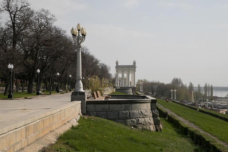 Стало известно, сколько денег в месяц получают главы городских районов Волгограда