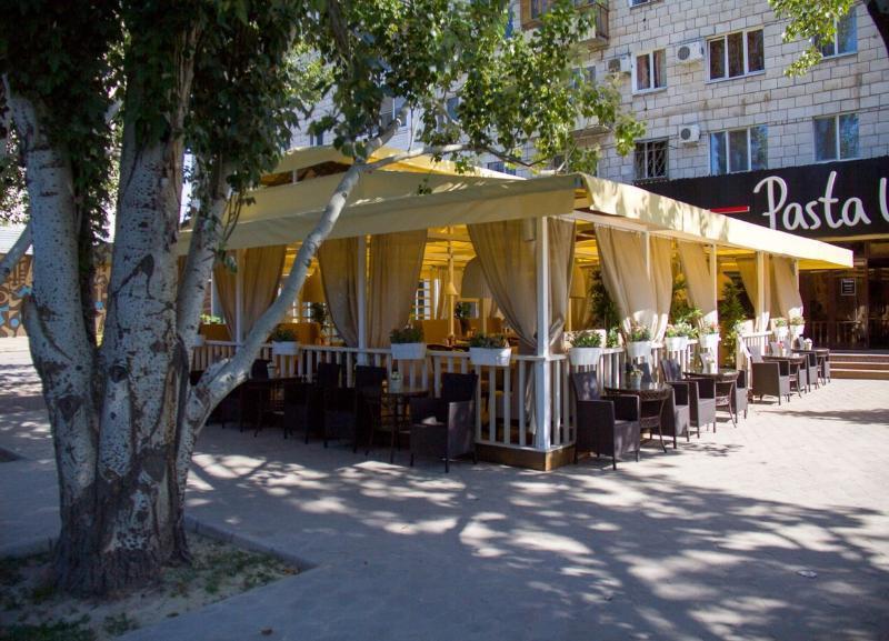 Ресторан Pasta Uno в Волжском не спешит демонтировать незаконную веранду