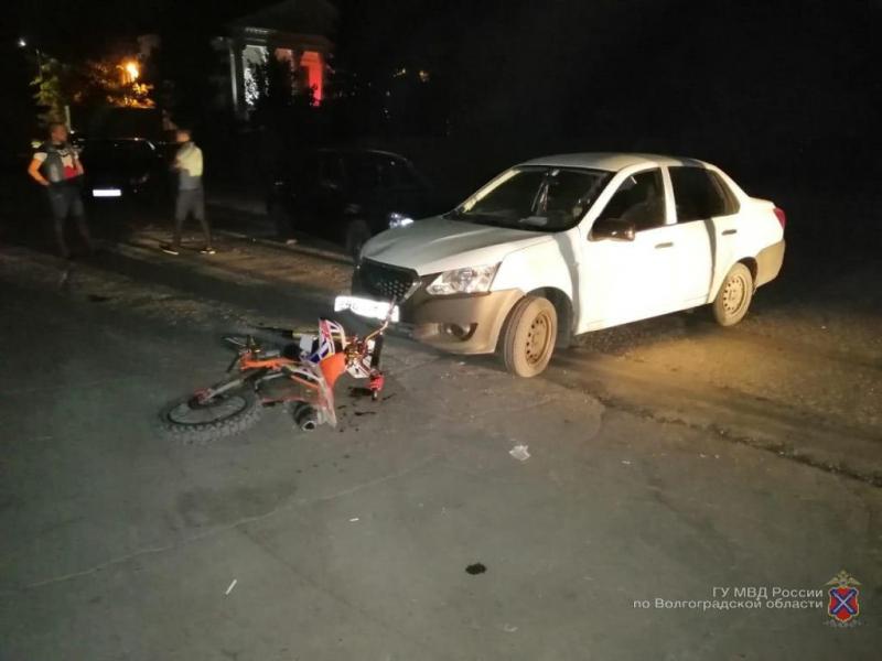 Водитель сбил несовершеннолетнего мотоциклиста под Волгоградом