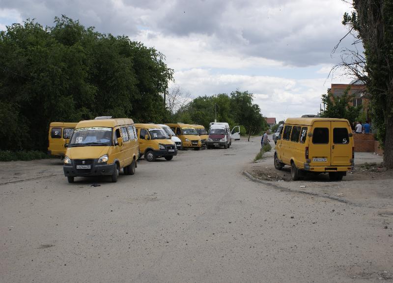 Большинство волгоградцев уверены в забастовке маршрутчиков, а не в массовой поломке в центре города