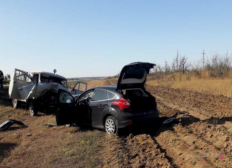 Житель Самарской области выехал на «встречку» под Волгоградом и врезался в УАЗ: два человека в больнице