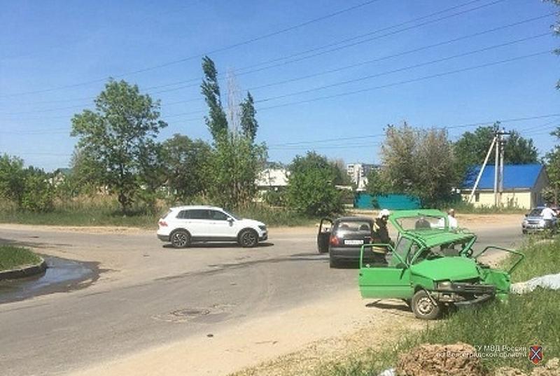 Водитель «Оки» погиб в столкновении с Daewoo Matiz на юге Волгограда