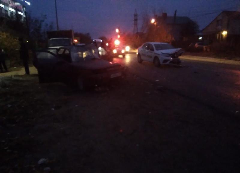 На видео попали последствия утренней аварии в Красноармейском районе Волгограда