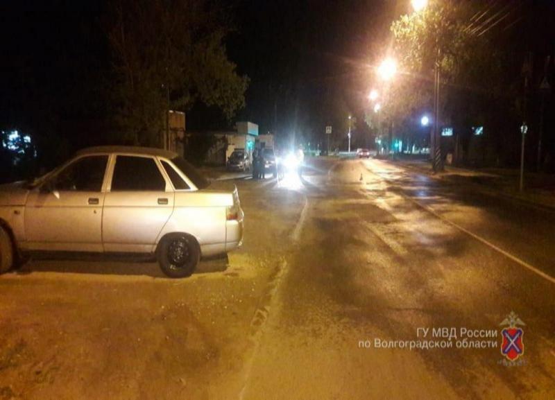 Водитель ночью сбил 18-летнего парня на Хорошева в Волгограде