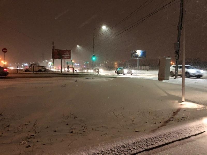 Синоптики рассказали, когда закончится обрушившийся на Волгоград снегопад