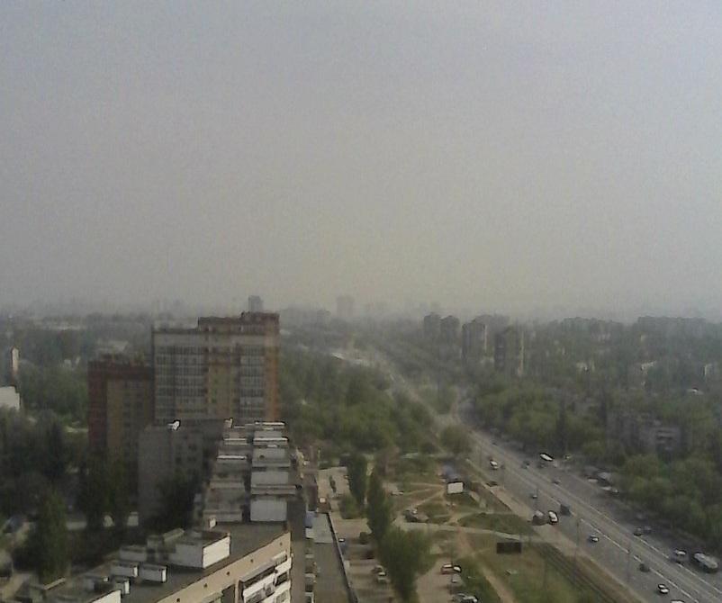 Волгоград накрыло дымовой завесой от тлеющей свалки в Волжском