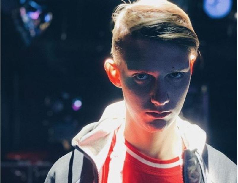 Незабудка - твой любимый цветок: Олег Савченко похвастался походом на концерт певца Тимы Белорусских