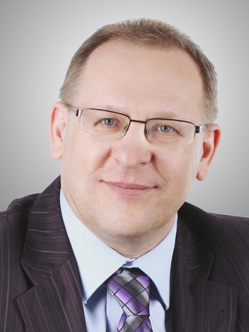 У председателя КСП Волгограда нашли три роскошных иномарки и почти 70 земельных участков