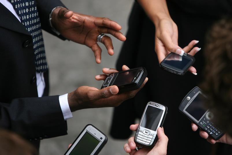 В каждой волгоградской семье Росстат нашел по два сотовых телефона