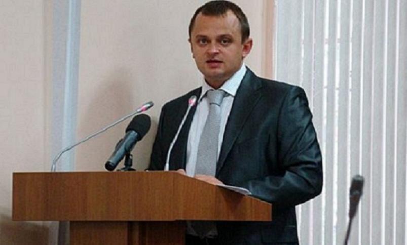 Осужденный за мошенничество экс-чиновник мэрии Волгограда получает из бюджета зарплату 145 тысяч рублей