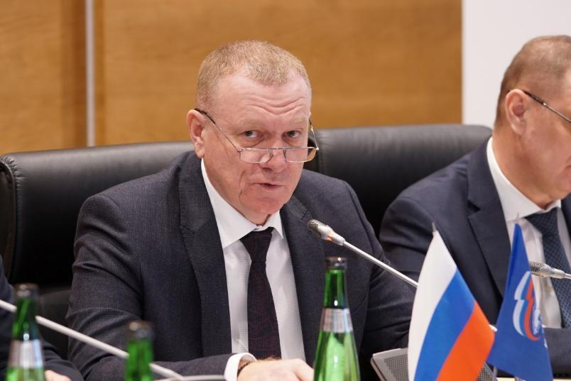 Лидер волгоградской «Единой России» пойдет на выборы под присмотром врача