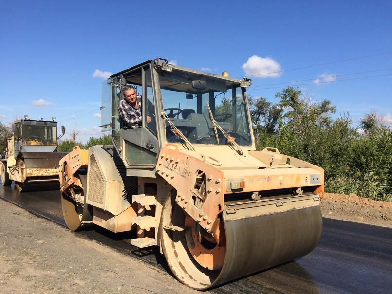 Со скоростью 941 сантиметр в день будут строить автодороги в Волгоградской области