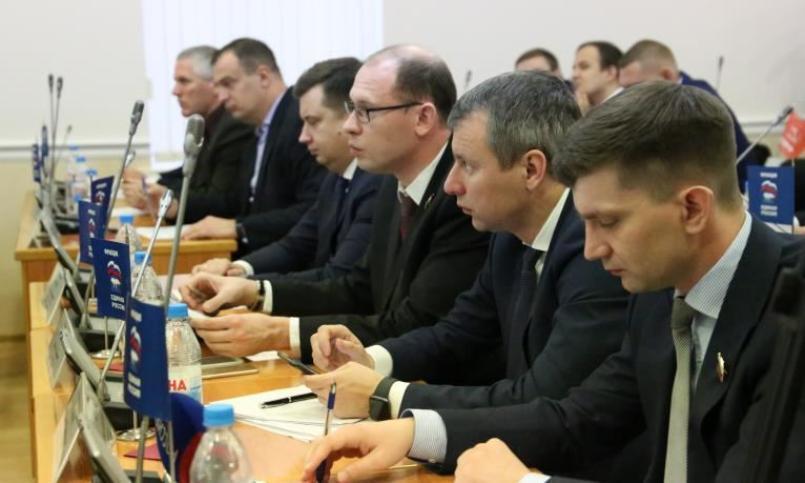 Гражданский активист призвал волгоградских депутатов исполнять супружеский долг чаще, чем служебный