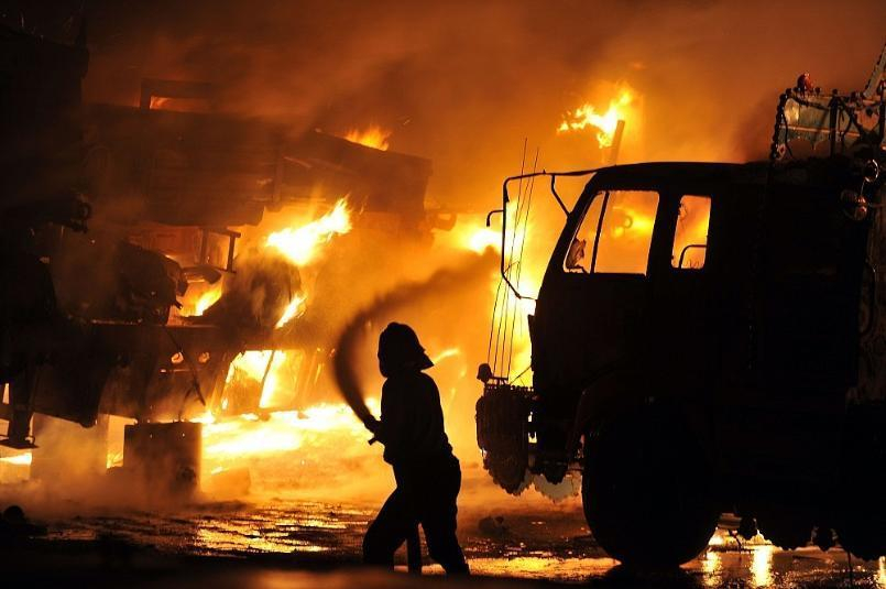 МЧС сообщает о двух погибших в ночном пожаре в Волгоградской области