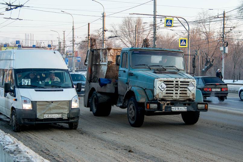 Мусор не вывозят, телефоны отключили, - волгоградский бизнесмен о работе мусорного регоператора