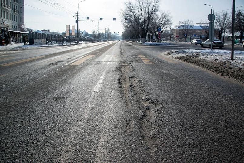 Стал известен размер зарплат чиновников, отвечающих за волгоградские дороги
