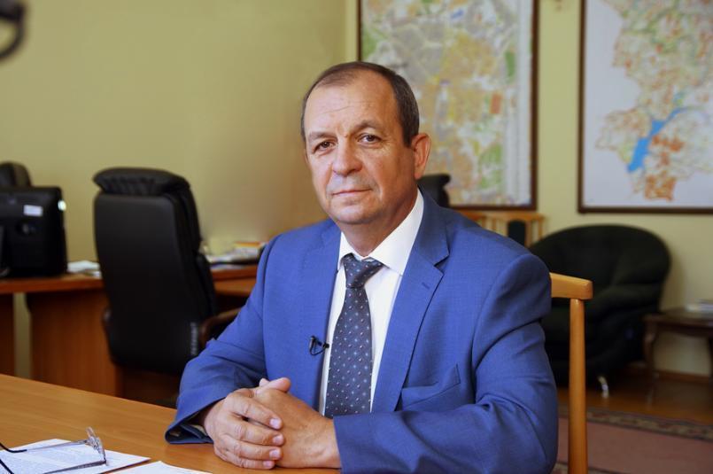 Замруководителя волгоградской «Единой России» снялся с выборов ради немолодого мужчины