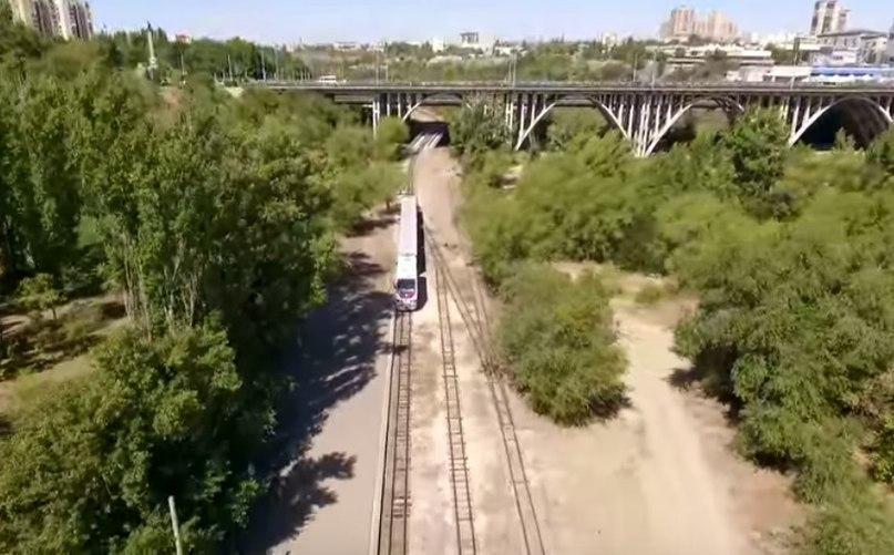 Волгоград сверху: в камеру квадрокоптера попали фонтан и детская железная дорога