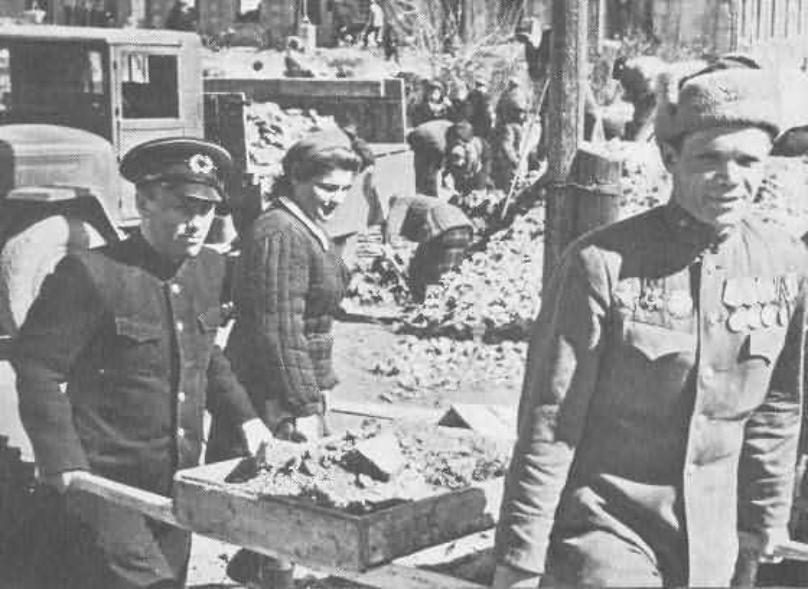 Календарь: 24 марта 1947 года – правительство СССР приняло решение возрождать Сталинград по – настоящему