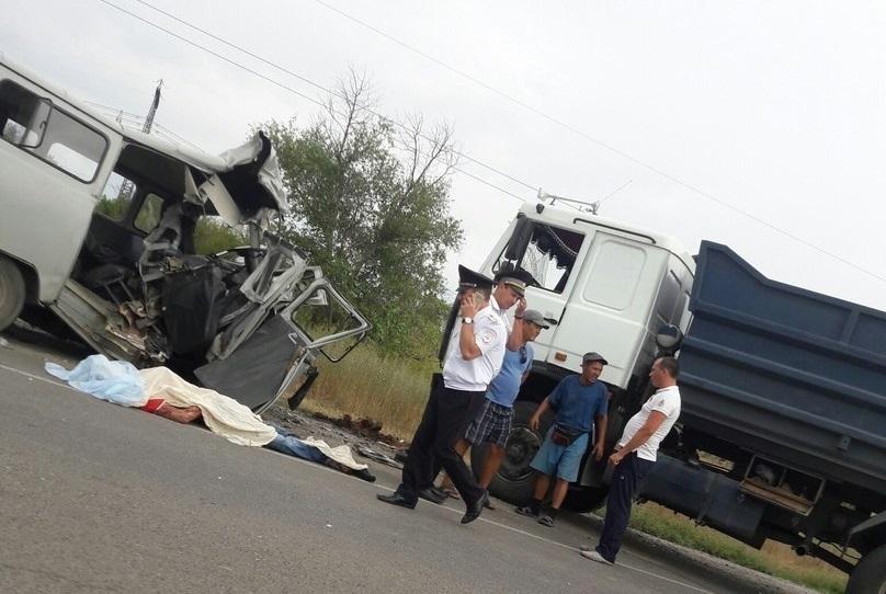 Смертельное ДТП натрассе Волгоград-Сызрань: 1 умер, 4 в клинике